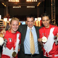 Valentina and her sister, Antonia, with IFMA General Secretary and WMC Vice President Stephan Fox